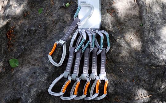 Lead climbing quickdraws
